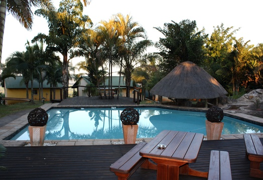 Outdoor pool at Nabana Lodge - sparkling again
