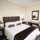 Double room en-suite at Nabana Lodge, affordable accommodation near Hazyview